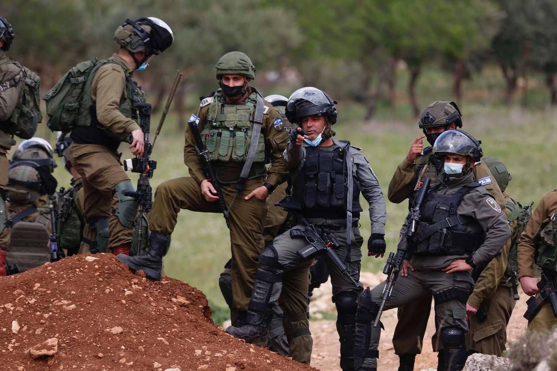 Occupation forces injure 12 Palestinians in Beita, Kafr Qaddum